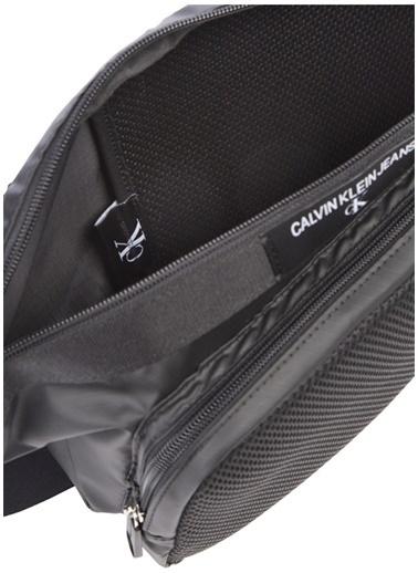 Calvin Klein Calvin Klein File Detaylı Logolu  Erkek Bel Çantası Siyah